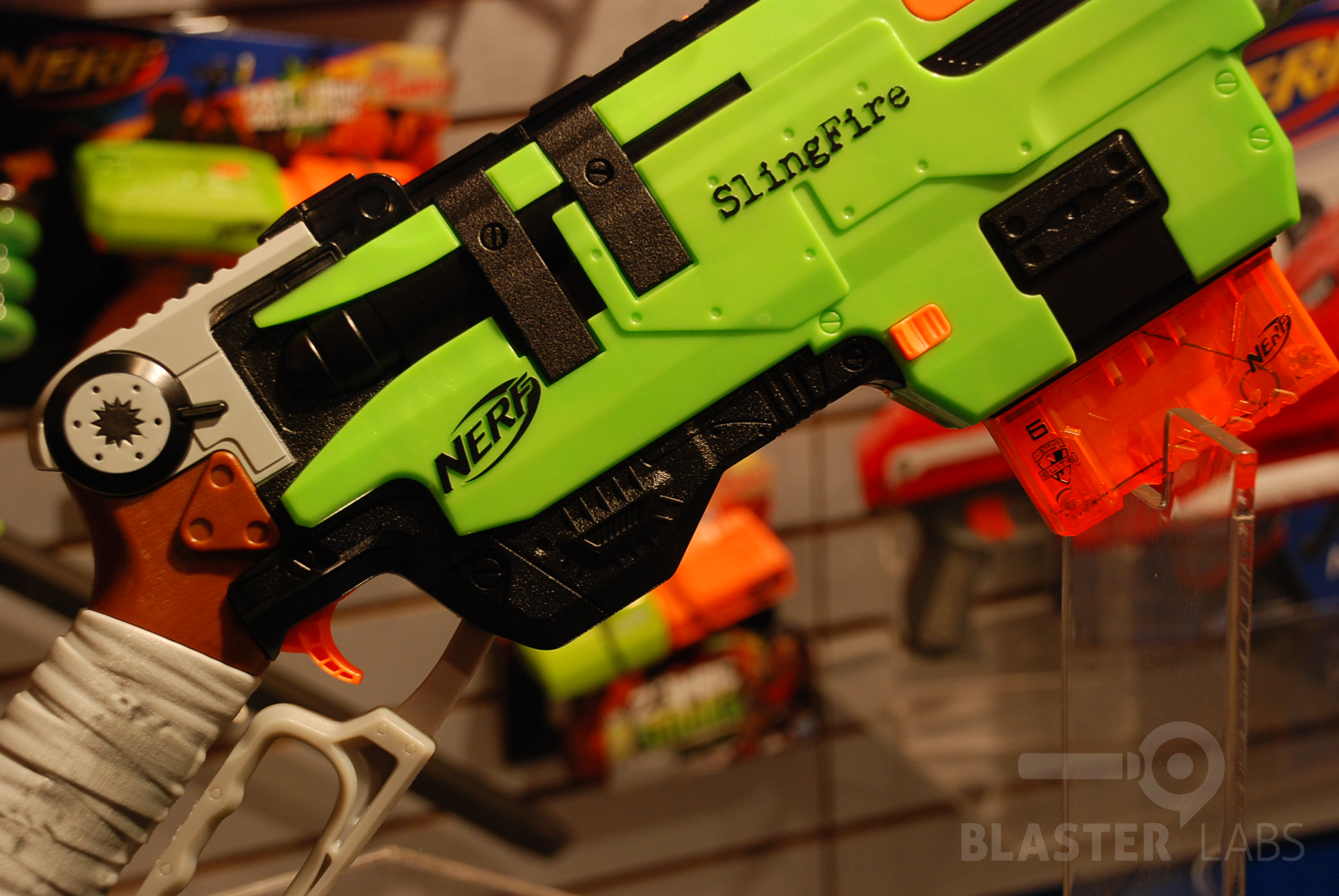 Slingfire Zombie Strike Nerf Toy Fair 2014 18